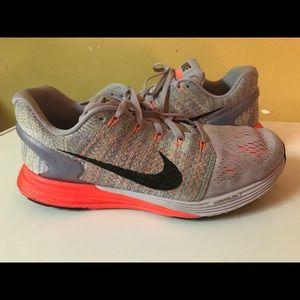 Nike LUNARLON 7 747356-502 size 9.5